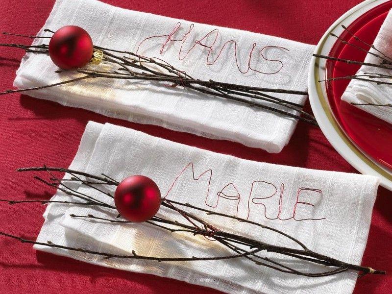 943940-WeihnachtenNamens-SchriftzugAufServiette-800x600