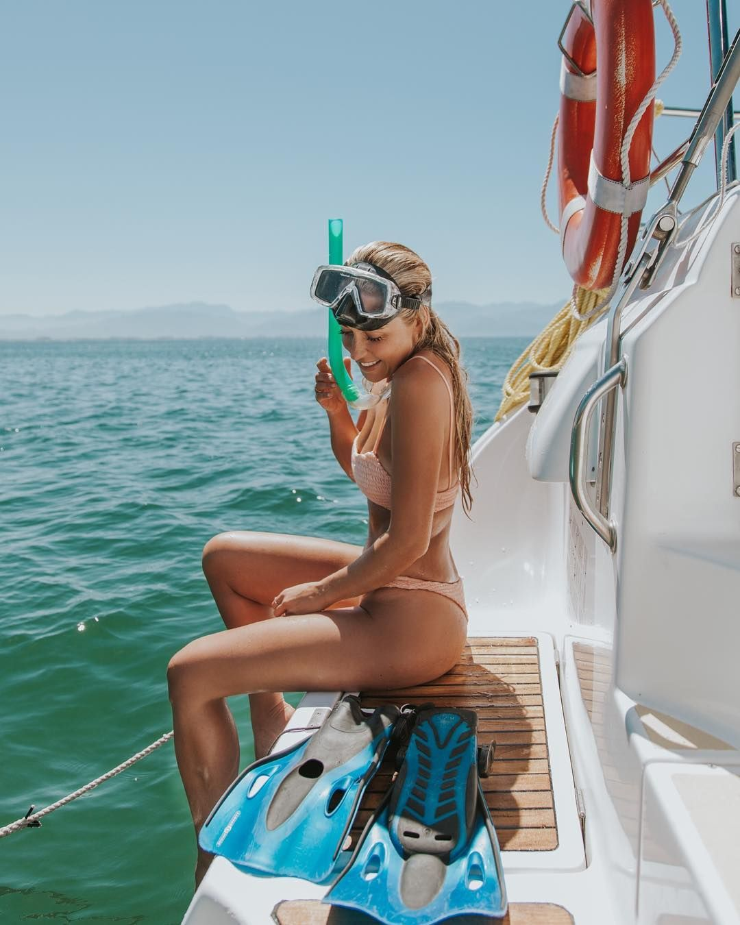 topless-sailing-hot-sexy-young-girls-nude-innerwears