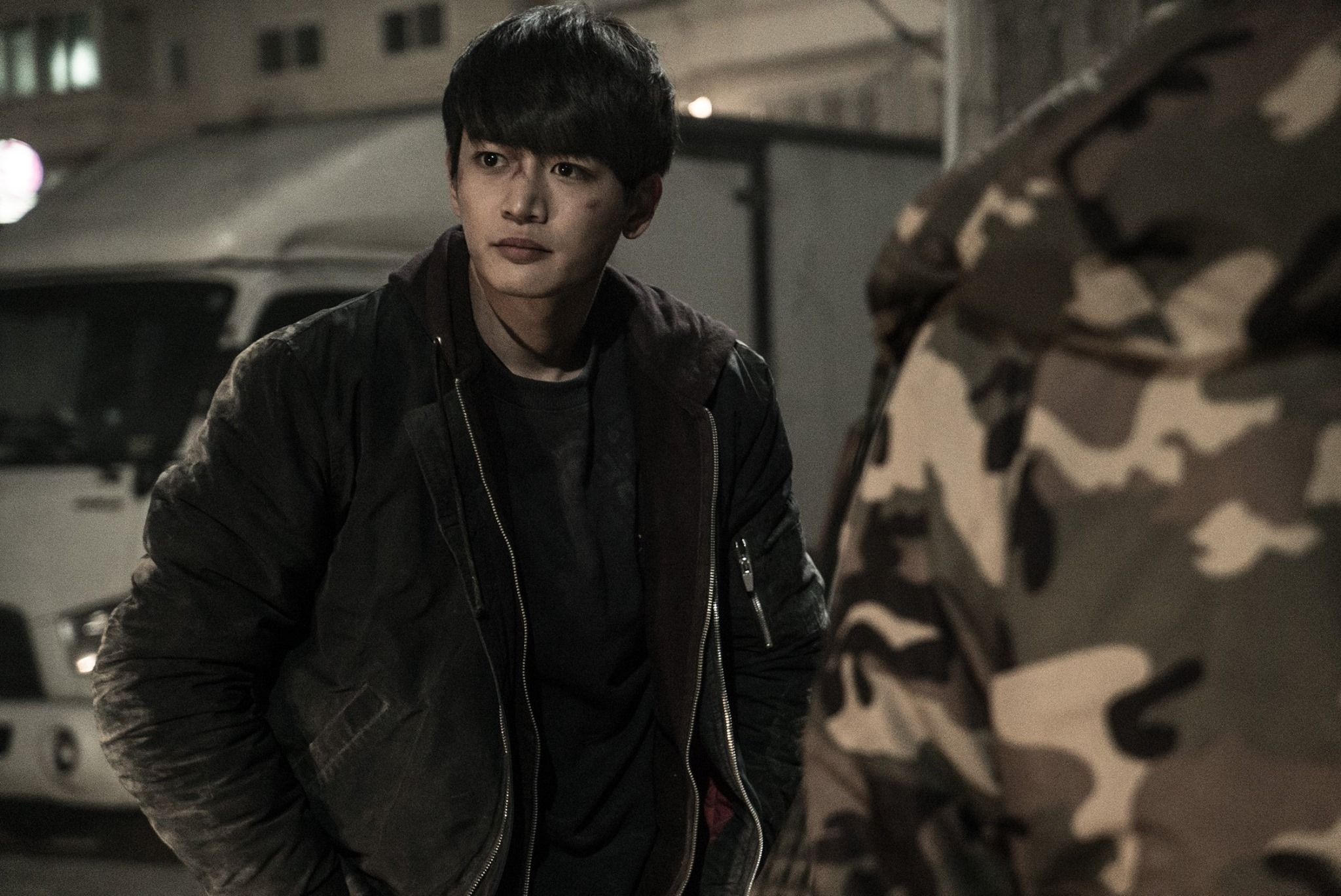 Choi Minho From His Upcoming Movie Derailed And Behind The Scene Shots Shinee Shinee Minho Choi Min Ho