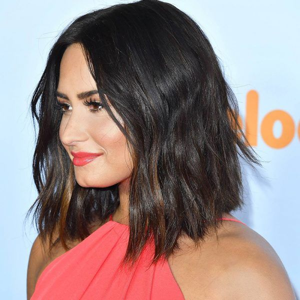 Demi Lovato Is The Latest Celebrity To Chop Off All Of Her Hair Celebrity Short Hair Hair Styles Short Hair Styles
