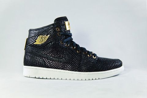 74e82c100 Air Jordan 1 Retro Pinnacle