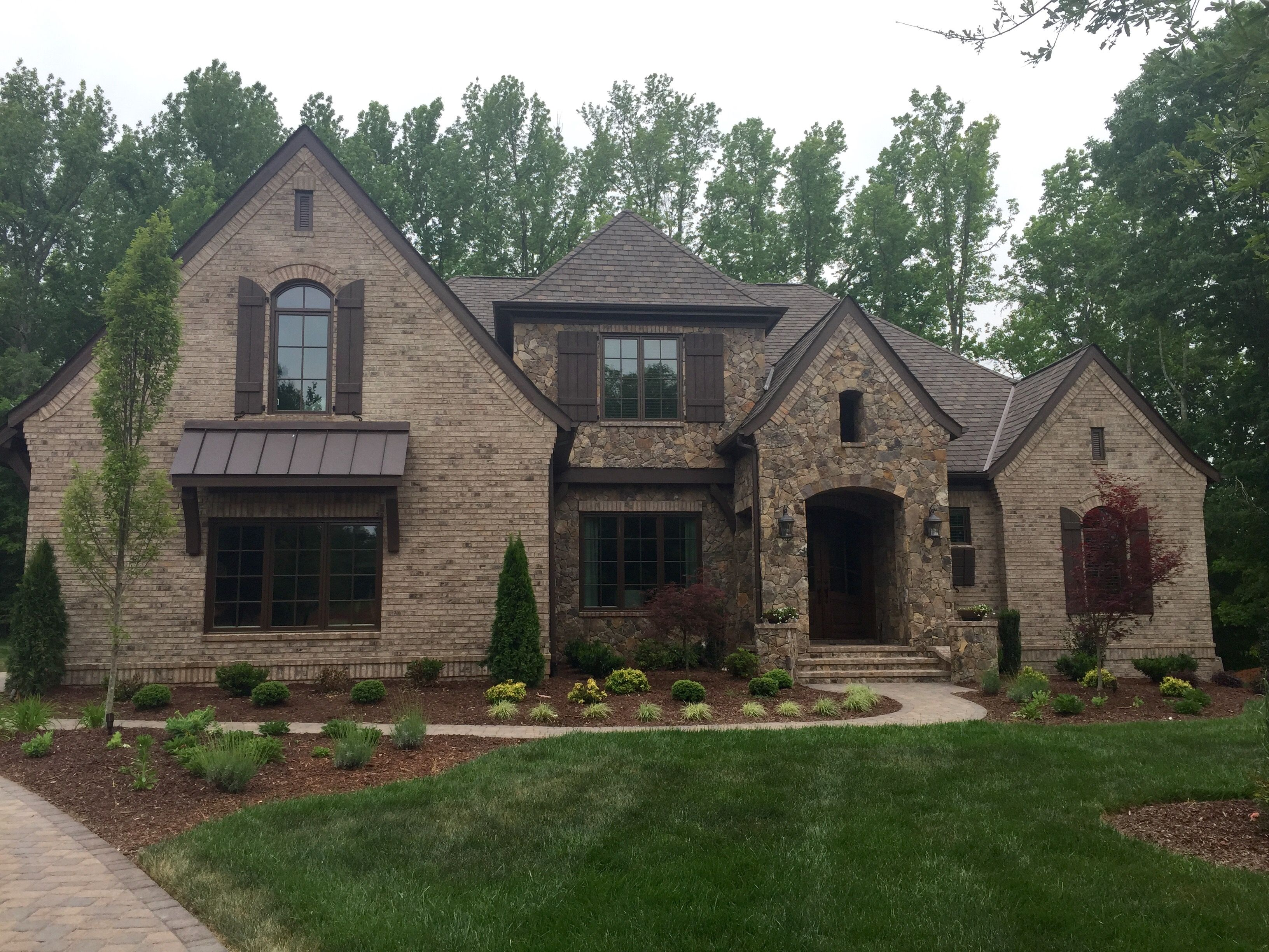 Arh plan asheville 1267 f exterior 38 roof grand manor - Houses with stone and brick on exterior ...