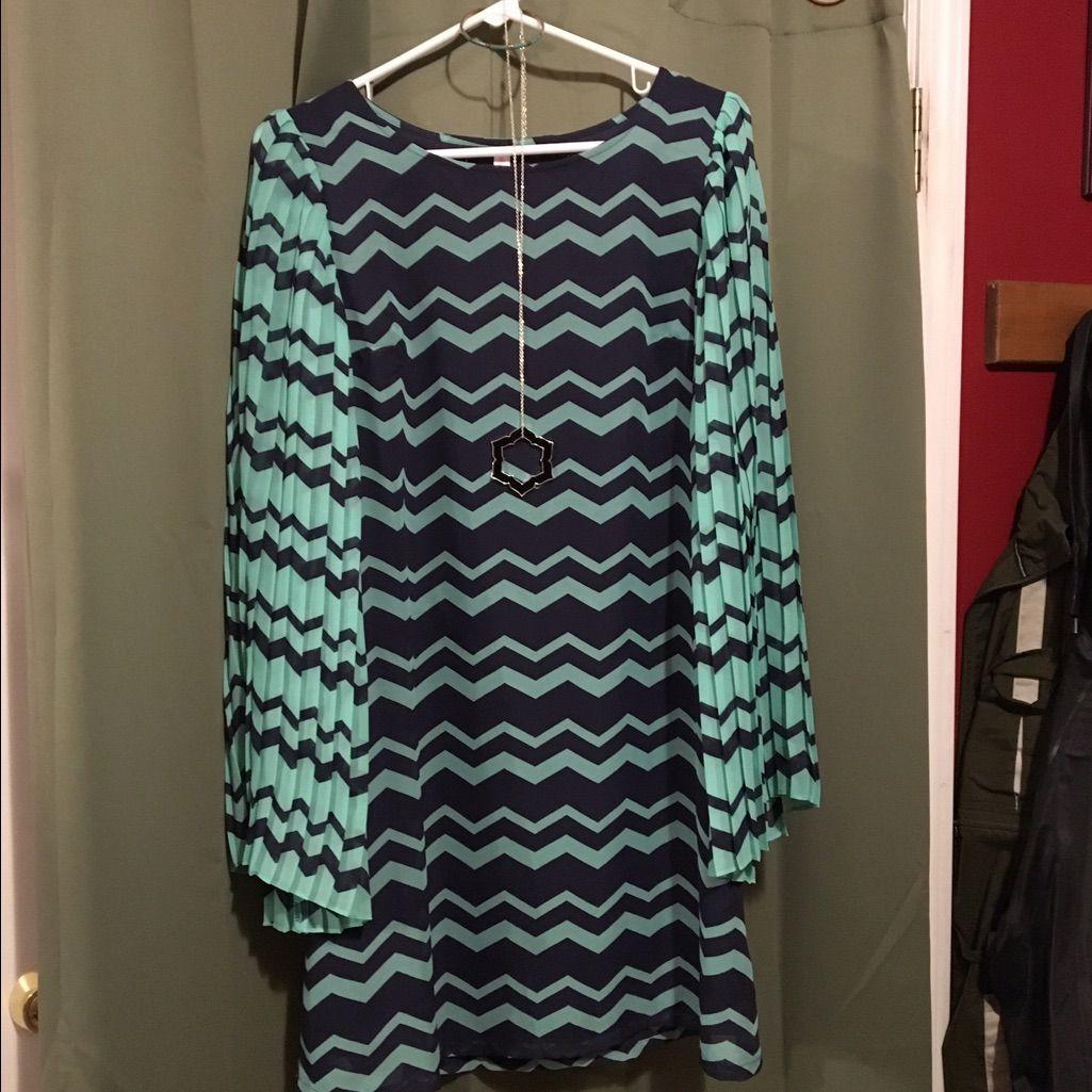Xhiliration Mint Green & Navy Chevron Dress