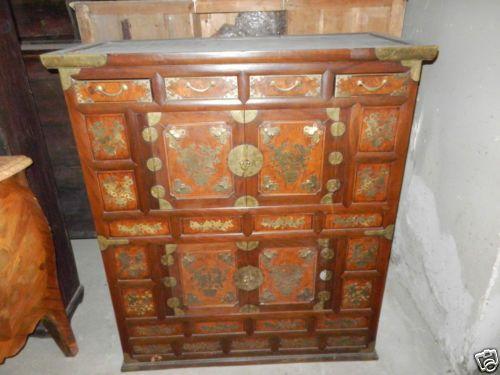 Credenza Con Ribaltina : Credenza orientale legni vari con decorazioni in bronzo inizio