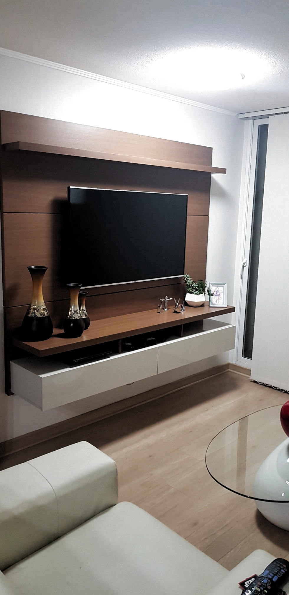 Transform Your Room In Your House Entertainment Room With Tv Room Ideas Check O Tv Room Centrodee In 2020 Tv Room Design Living Room Design Modern Tv Wall Decor
