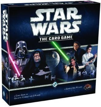 Este es el sistema de juego con cartas coleccionables para recrear el universo de Star Wars.   Trae una innovación: la colección está completa, eso quiere decir que no has de estar comprando sobres de expansión.   Así que de entrada tienes todas las cartas de la colección.