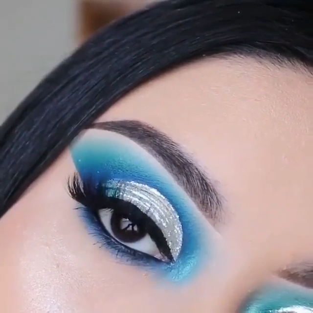 Blue & Silver Eyeshadow Eye Makeup Tutorial