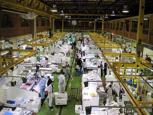 billingsgate fish market shopping in london london. Black Bedroom Furniture Sets. Home Design Ideas