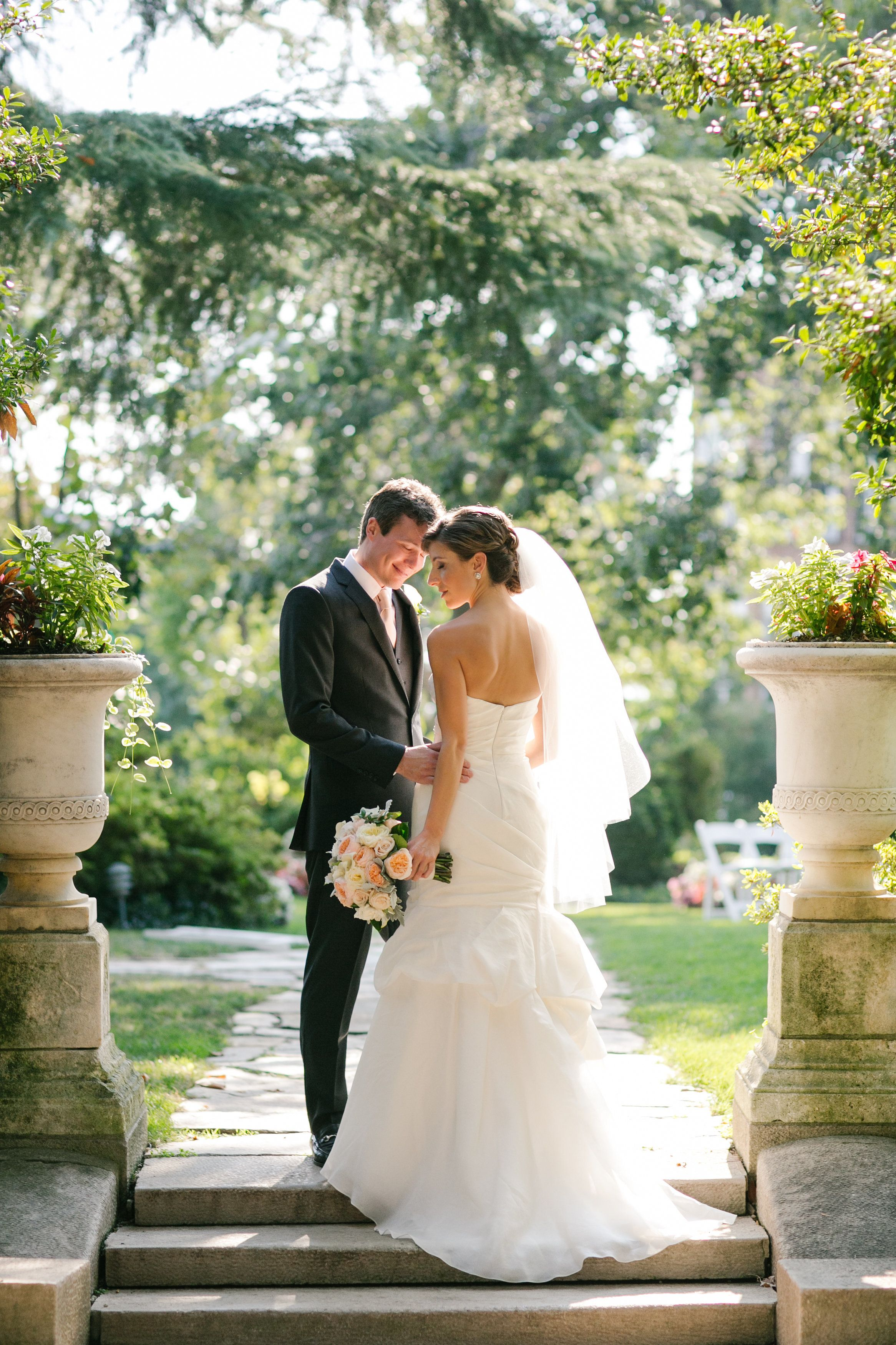 Photography : Maria Vicencio Photography | Wedding Dress : Monique Lhuillier | Wedding Dress : Marchesa Read More on SMP: http://www.stylemepretty.com/washington-dc-weddings/2014/04/16/elegant-meridian-house-wedding/