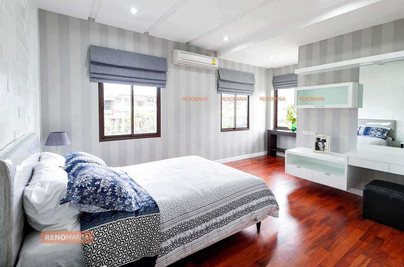 Opt For Vertical Elements Like Vertical Striped Wallpaper And Vertical Light Fixtures Drawing A H Master Bedroom Interior Bedroom Design Modern Bedroom Decor