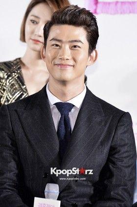 Ok Taek Yeon | Movie 'Marriage Blue' Press Conference - Oct 22, 2013 [PHOTOS] More: http://www.kpopstarz.com/articles/46795/20131025/ok-taek-yeon-press-conference-photoslide.htm