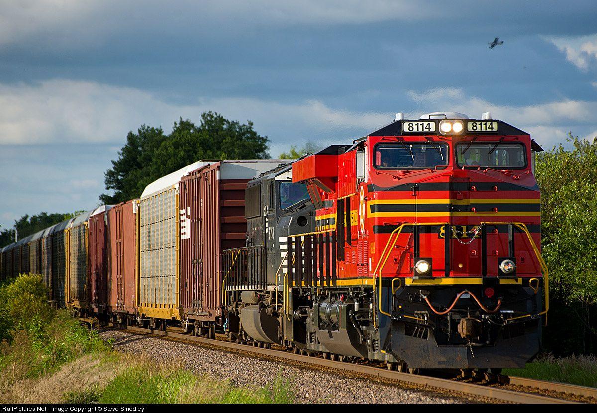 Photo NS 8114 Norfolk Southern GE ES44AC