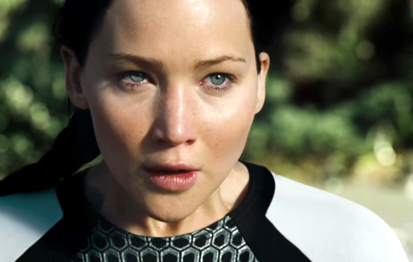 Watch: First Official Teaser Trailer for The Hunger Games