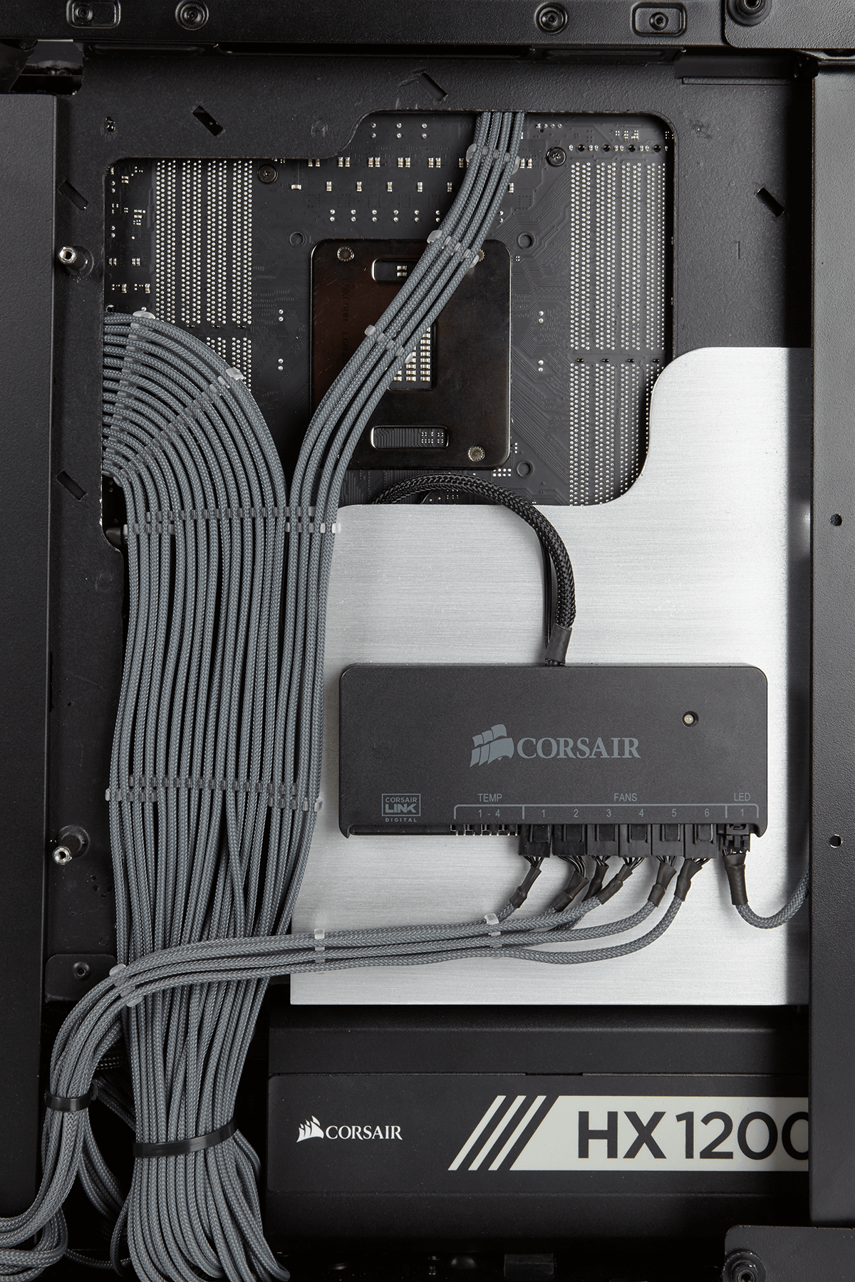 BUILDER SHOWCASE | PC Modding in 2019 | Cable management pc ... on
