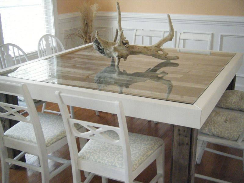 interesting pallet dining room table. I\'m not a fan of the white ...