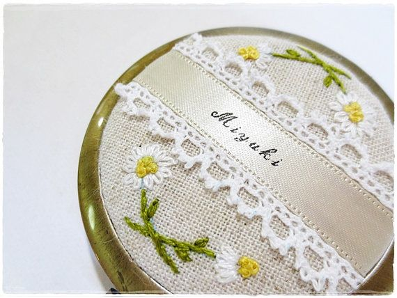 Personalized compact mirror with lace and by KawaiiSakuraHandmade