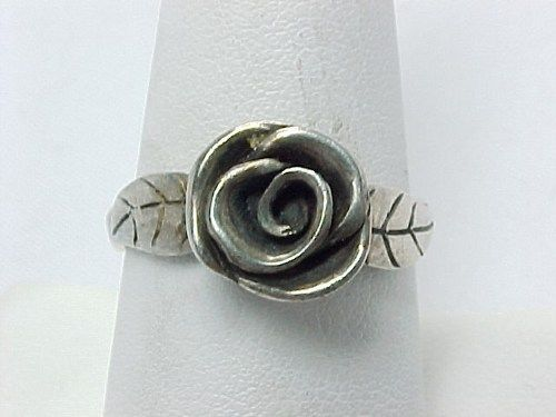 STERLING SILVER ROSE and Leaves RING - Size 7 1/2