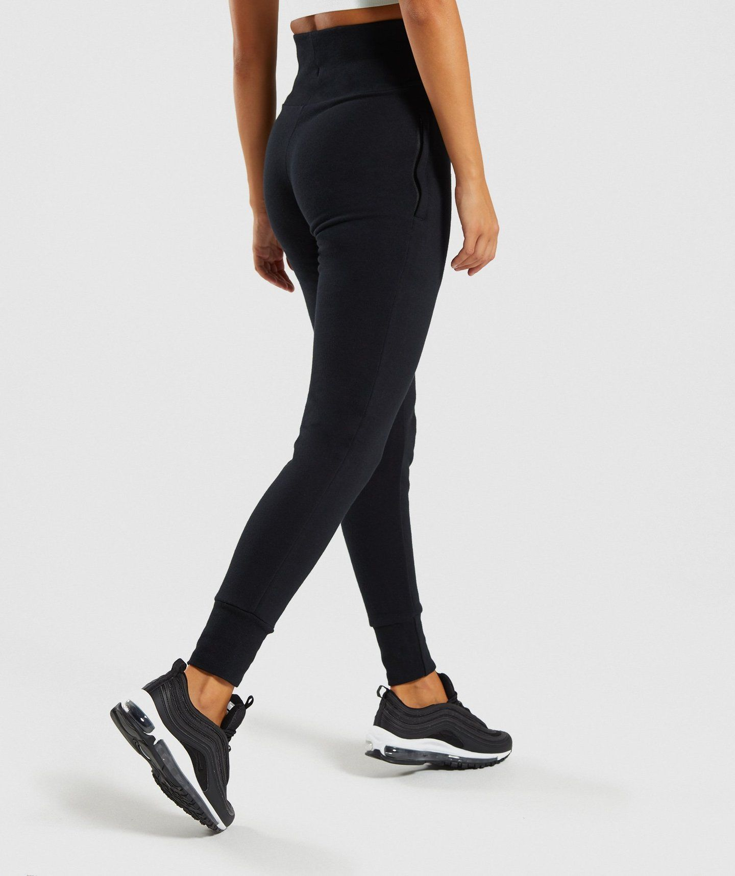 425c0513d130b Gymshark High Waisted Joggers - Black in 2019 | wk out clothes ...