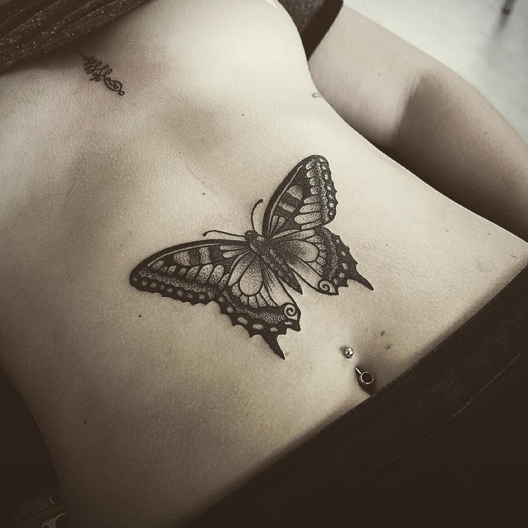 807da0452d9a8 Butterfly and Unalome on Amy! More butterflies please ! #tattoo  #butterflytattoo #butterfly