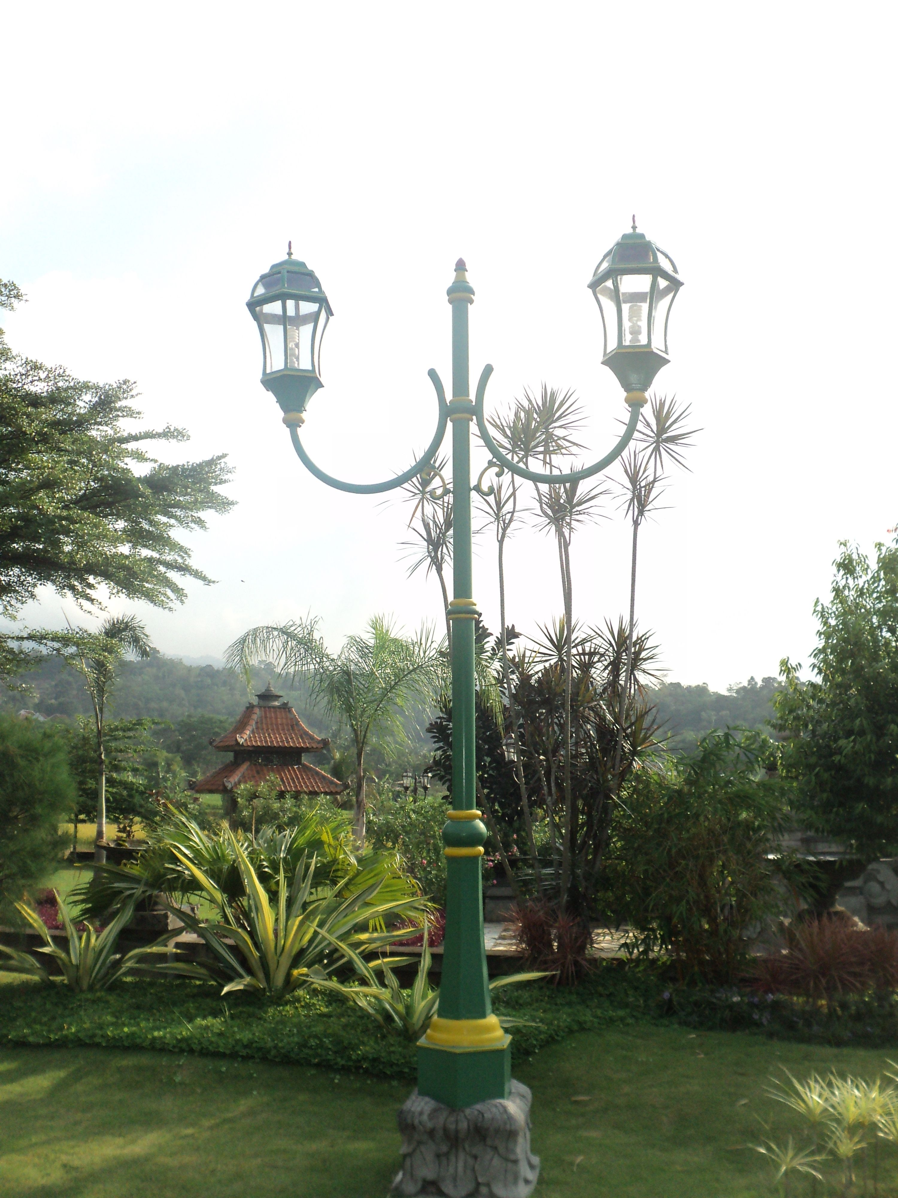 Apa Itu Lampu Taman