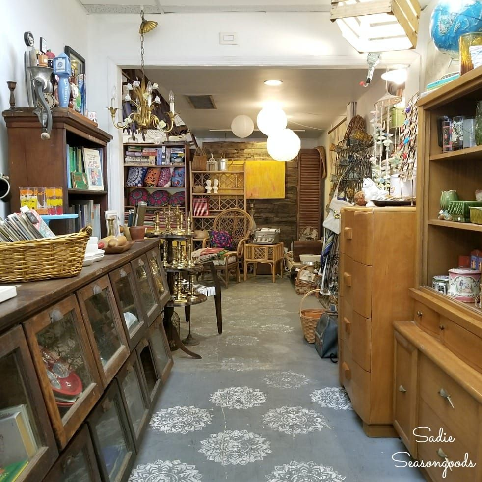 Shopping In Charleston Sc Best Antiques Vintage And Thrift Stores Used Furniture Stores Antiques Vintage Kitchen Utensils