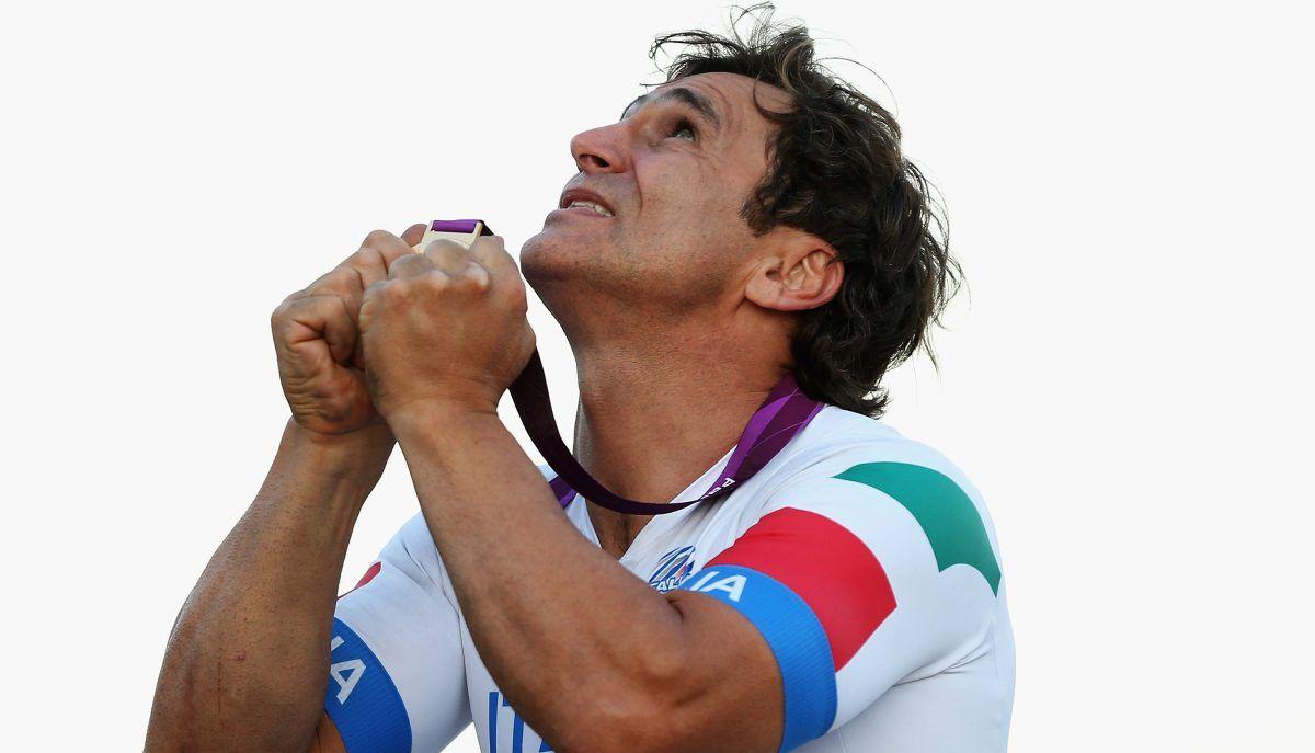 Alex Zanardi wins Paralympic gold on eve of 15year