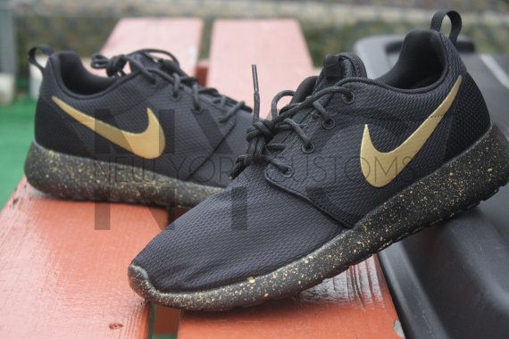 womens nike roshe black and gold