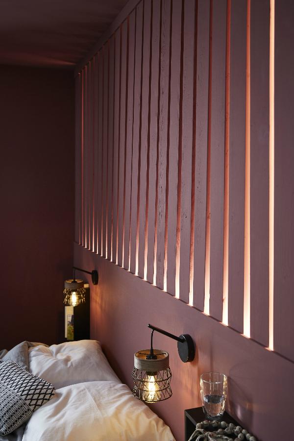Une Tete De Lit Graphique Et Lumineuse Chambre Moderne Chambre