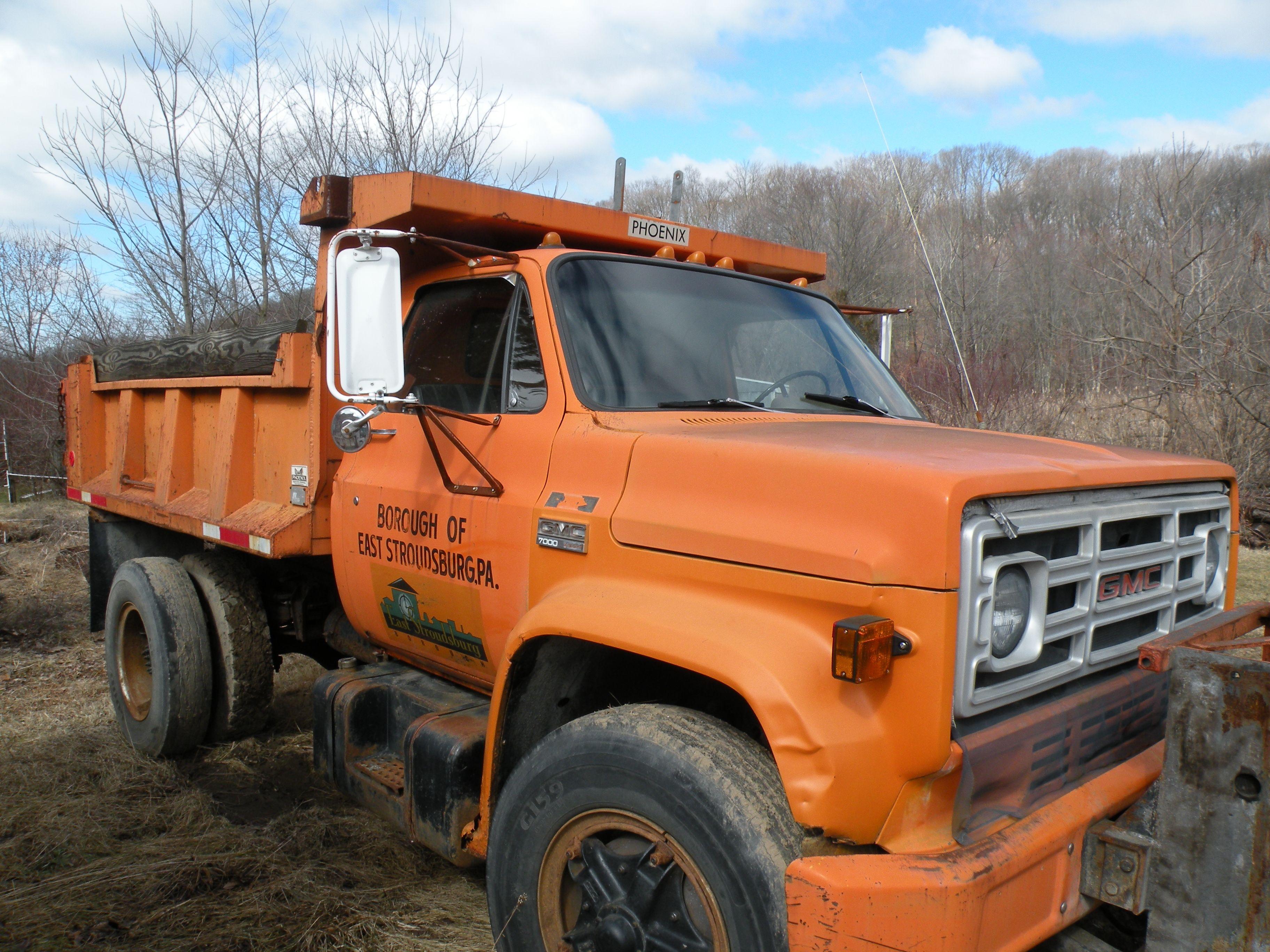 1979 GMC Dump Truck for sale on municibid