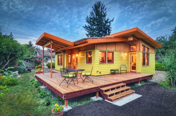 800 Sq Foot house. http://tinyhousetalk.com/small-house-that-feels-big/