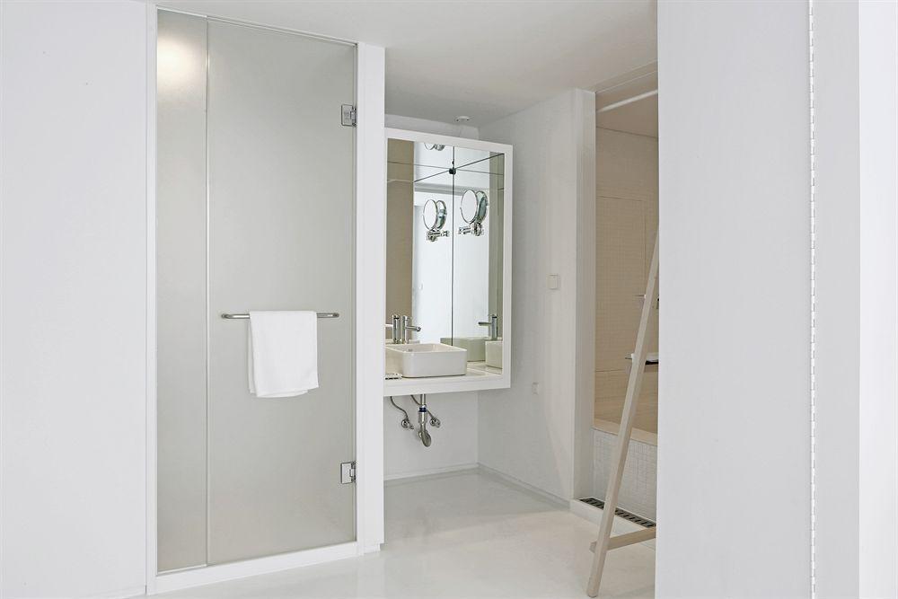 洗練されたミニマル空間が素敵デザインホテルスモールハウスビッグドア