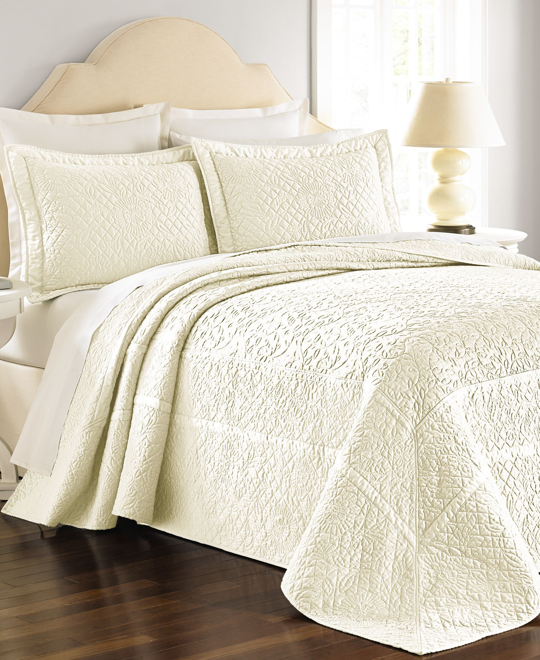 quilted microfiber laura wholesale free ashley trellis shipping comforter