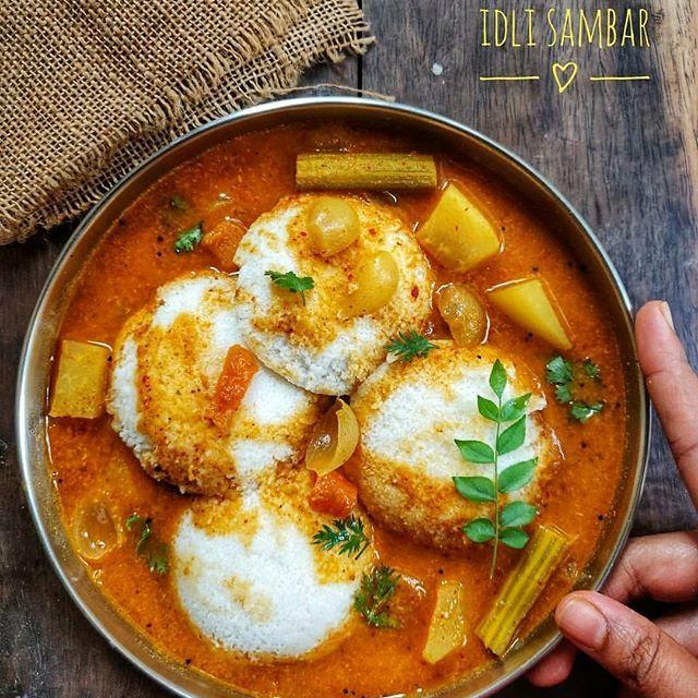 #whatsonmyplate  Soft pillowy Idli dunked in spicy little sweetish Sambar...in short Idli Sambar dippu 😋😋...is anytime bae for me...how about you ??? recipe for Udupi hotel style sambar in story's highlights.... ...... ..... #idli #idly #idlisambhar #idlisambar #indianrecipes #indianfood #indiancuisine #indianbreakfast #indianfoodbloggers #southindianfood  #bangalorefoodblogger  #igersbangalore #homefood #gharkakhana  #walkwithindia #indianfoodie #foodiesofindia #chennaifoodie #bangalorefoodie