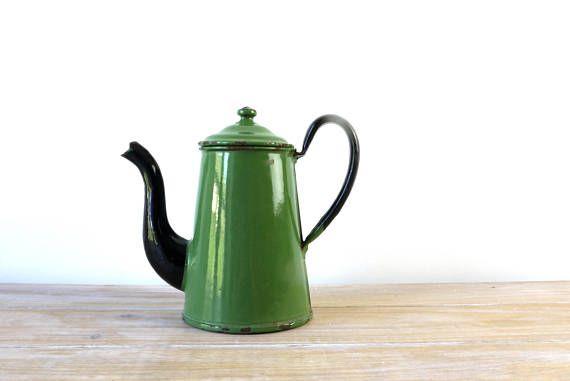 Vintage green black enamel coffee pot - Enamel green jug, Green enamel teapot, Vintage enamelware coffee tea pot, enameled coffee can teapot