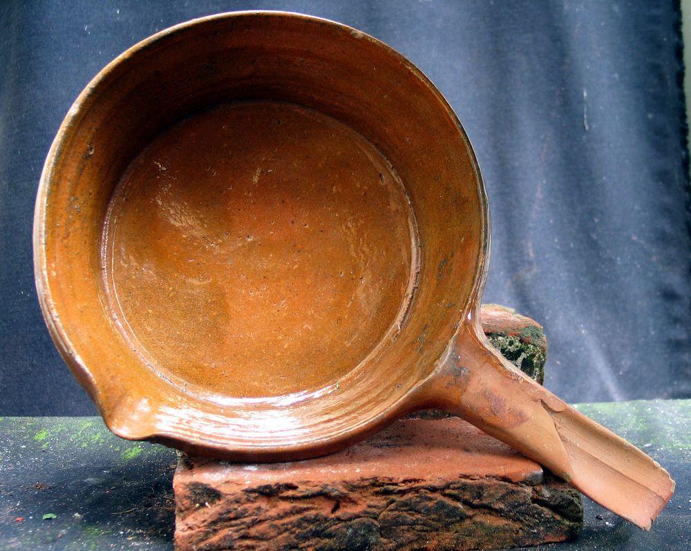 superb 17th century dutch ceramic pan cake skillet delft
