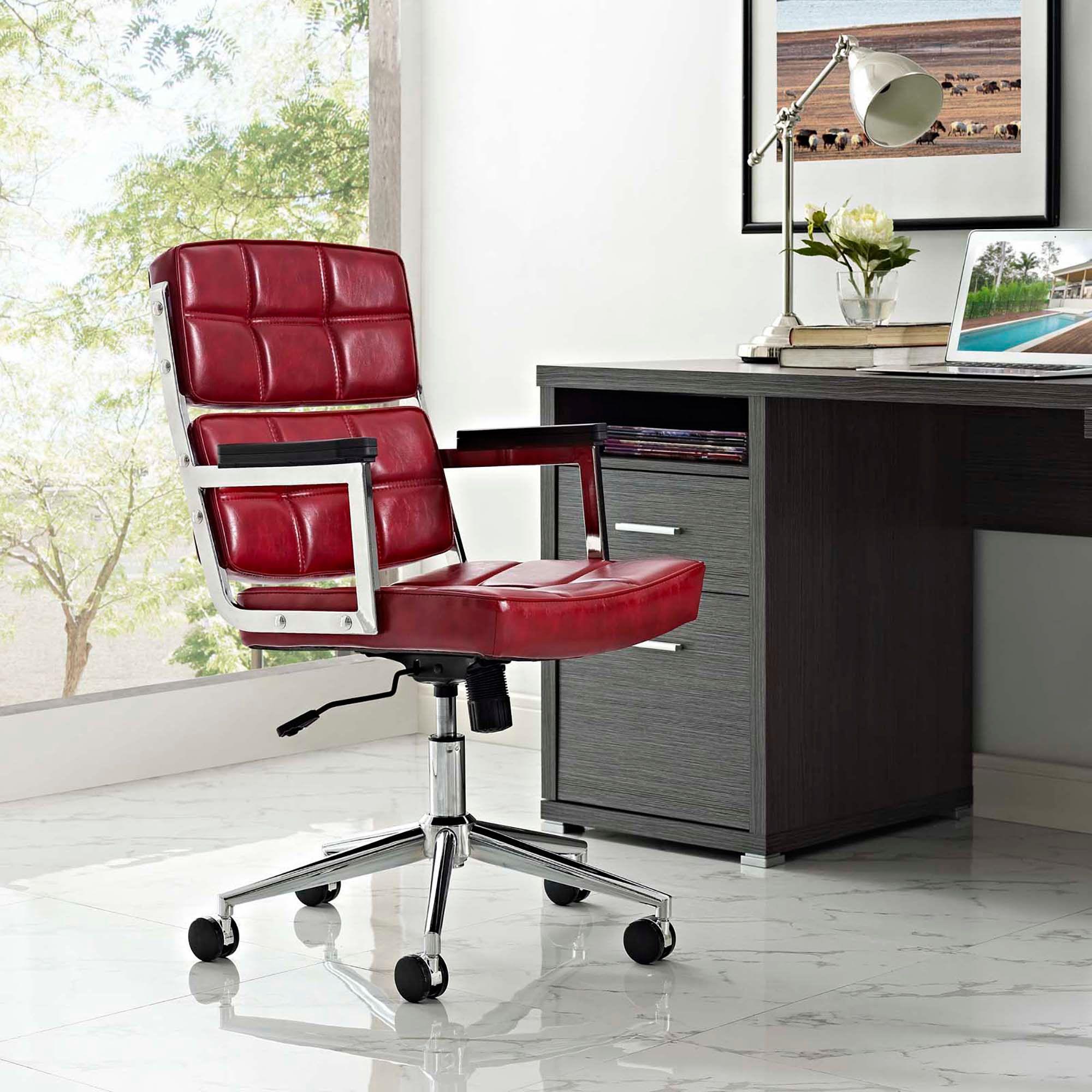 Boldly designed with an impressive tiled design and sharp