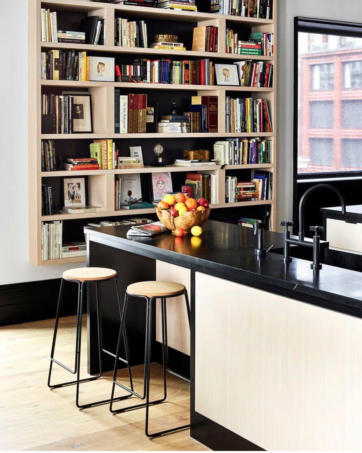 Condo Livingbookshelves