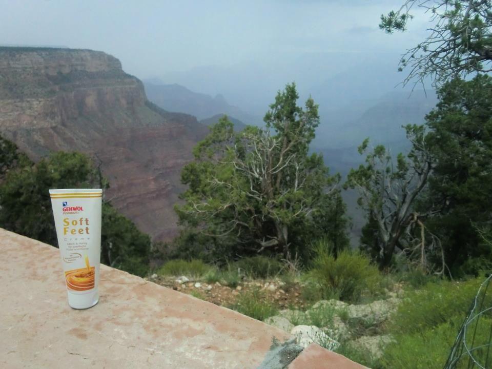 Die Gehwol Fusskraft Soft Feet Creme wurde auf ihrer Tour wieder gesichtet: diesmal am Grand Canyon.