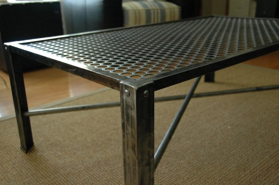 Industrial metal coffee table industrial design loft for Industrial design tisch