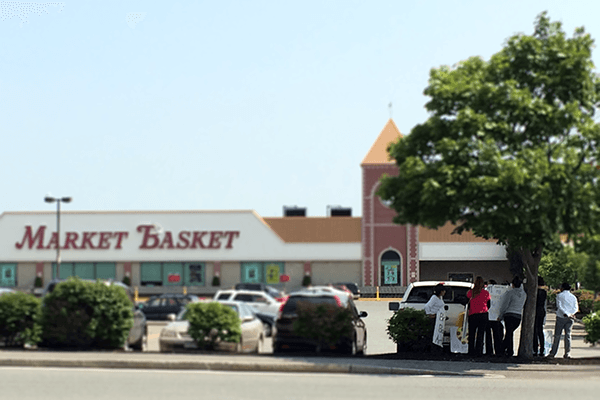 """Market Basket is Our Family"" – Employees Stand By Ousted CEO 