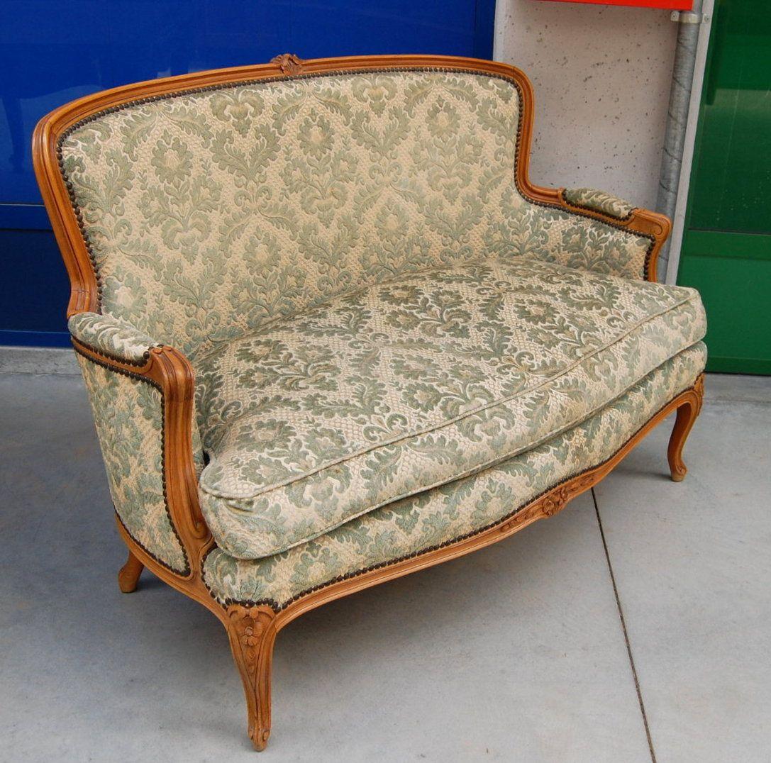 Piccolo divano '900 in stile Luigi XV noce lungo 120 cm su