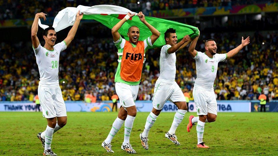 صور للمنتخب الجزائري في المونديال Google Search Basketball Court Fifa Sports
