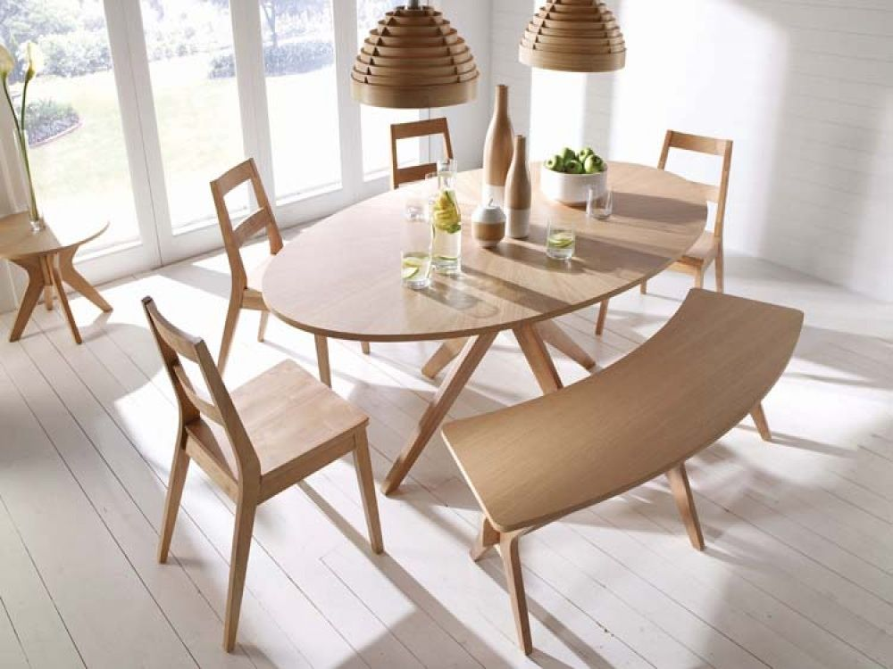 Malmo Oval White Solid Oak Veneer Dining Table Free