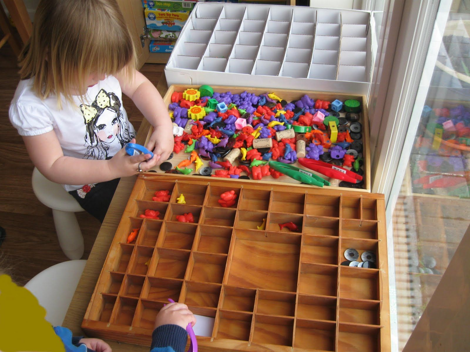 Love these 'sorting trays' Math for kids, School play
