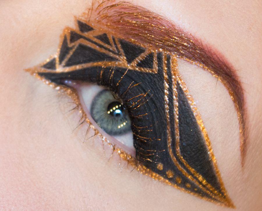 Make Up Is An Art - beautiful geometric eyeshadow