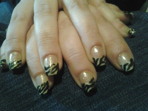 Black and white acrylic zebra pattern with dual nail forms