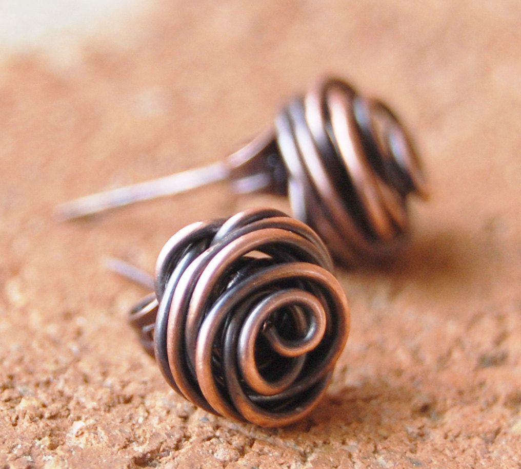 Rose bud earrings, Posts, Oxidized copper, Wire jewelry | Stuff that ...