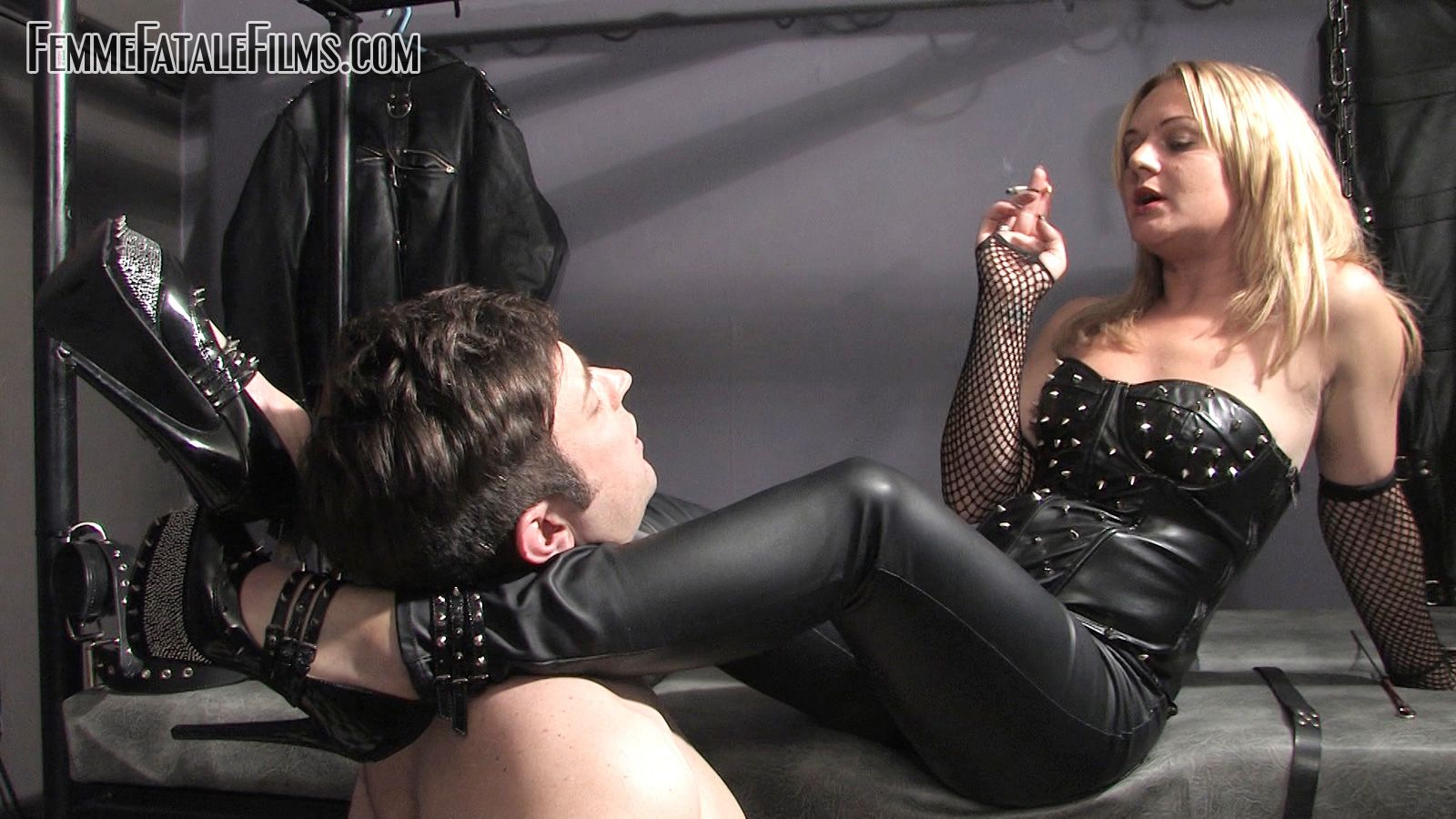 Femdom smoking pictures