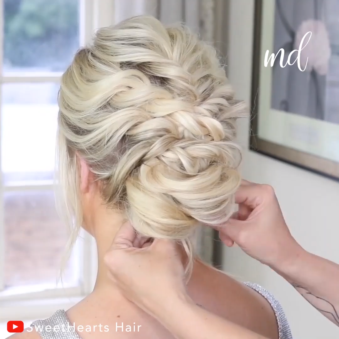Suelto UPDO HAIRSTYLE