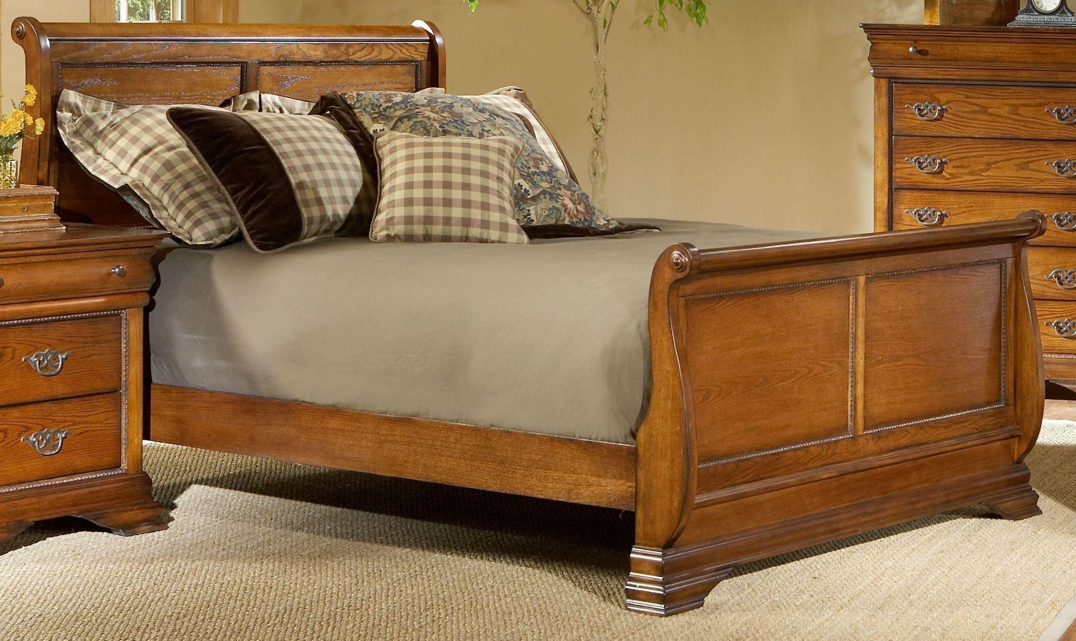 Shenandoah American Oak King Sleigh Bed
